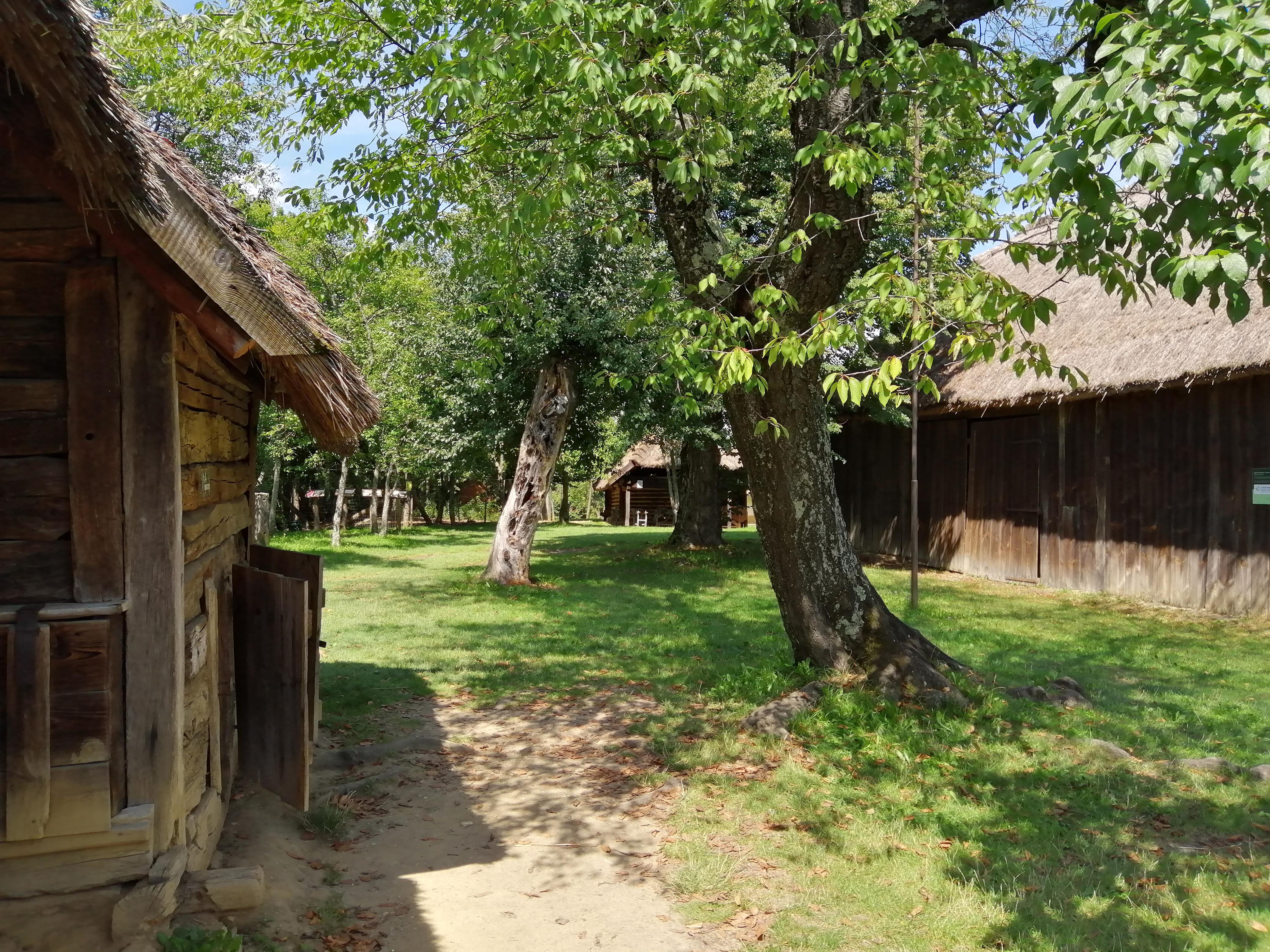 Őrség, Göcsej és Hetés – A szeges, szeres falvak és haranglábak vidékén